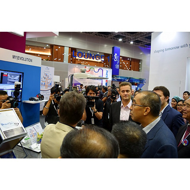 2015 - IOT Presentation to Datuk Seri Dr Salleh Said Keruak, Minister of Communication